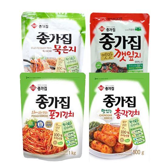 종가집 가족여행 김치 4종세트 (오래 오래 맛있는 포기김치 1kg + 맛잇는 총각김치 1kg + 묵은지 500g + 옛맛깻잎지 200g)